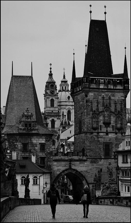 """photo """"Башни и фигуры"""" tags: black&white, architecture, Prag, Prague, Praha"""