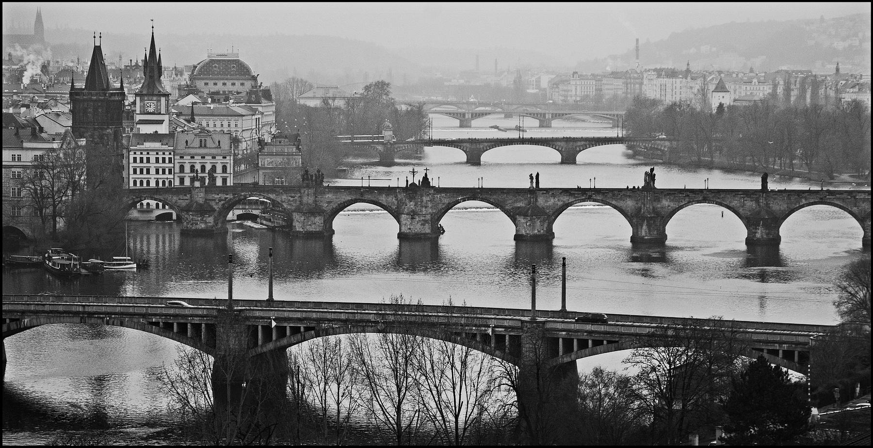 """photo """"Мосты"""" tags: black&white, city, Prag, Prague, Praha"""