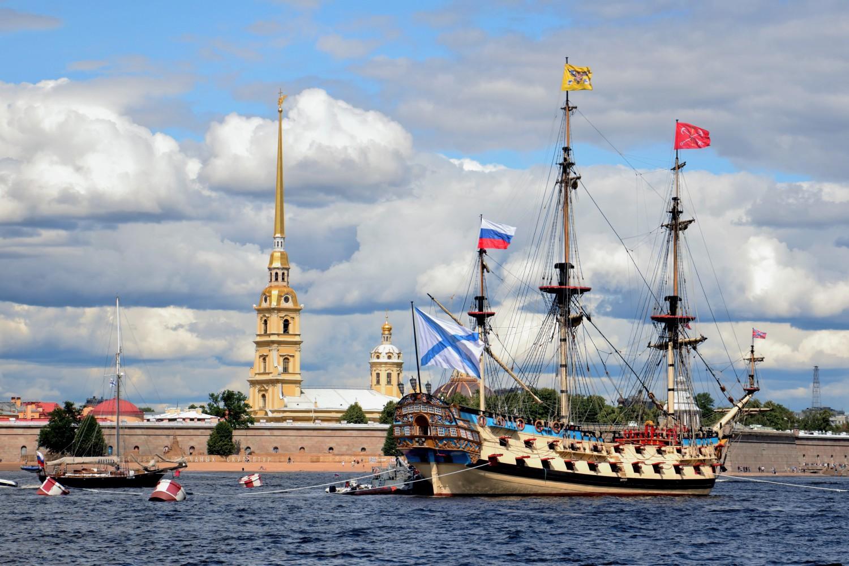 "фото ""Корабль ""Полтава"" в ожидании парада"" метки: ,"