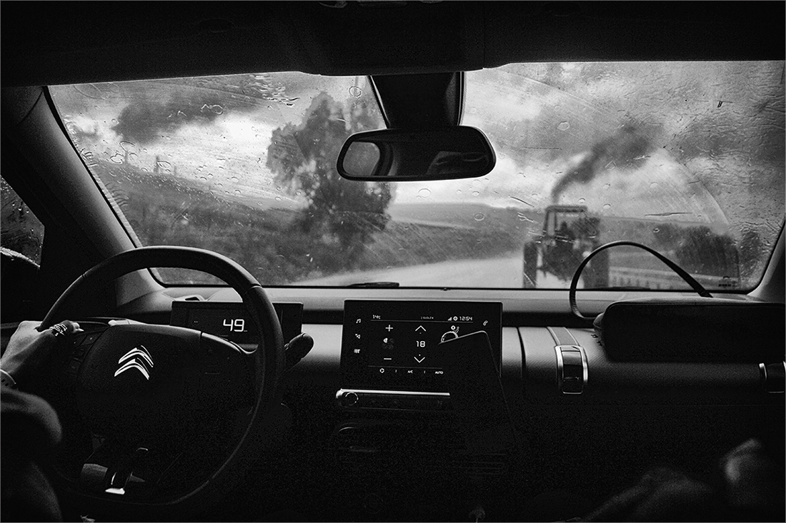 """photo """"On midday"""" tags: travel, black&white, technics,"""
